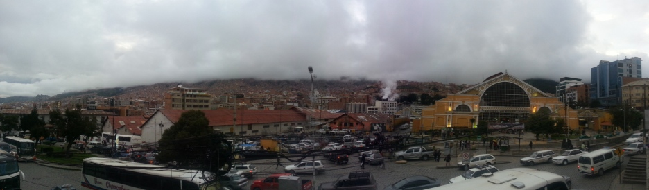 Smoggy, cloudy, and completely chaotic: welcome to La Paz.